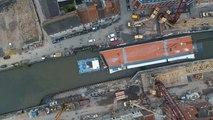 Installation du nouveau pont à pont à Tournai