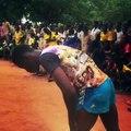 Le saut à 1,80m de Jules au meeting d'athlétisme de Kovié au Togo