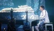 南京, 南京 520! 昨晚 #王力宏龍的傳人2060# 演唱會上唱新歌跟這座城市表白。謝謝好兄弟 陶喆 David Tao 支持!多親幾口,哈哈!  Nanjing, Nanjing!  Premiered this song exclusively live at last night's concert!  T