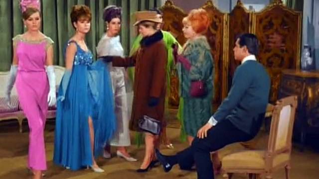 Bewitched S2 E24 - Samantha The Dressmaker