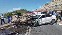 Antalya'da feci kaza... Aynı aileden 3 kişi hayatını kaybetti