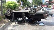 Beşiktaş'ta Trafik Kazası; Otomobil Takla Attı