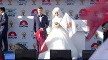 Sivas Gelin ve Damat Başbakan Binali Yıldırım'ın Sivas Mitingine Katıldı