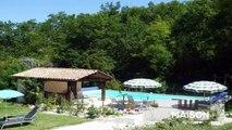 QUERCY - proche Lauzerte - ensemble des maisons avec piscine