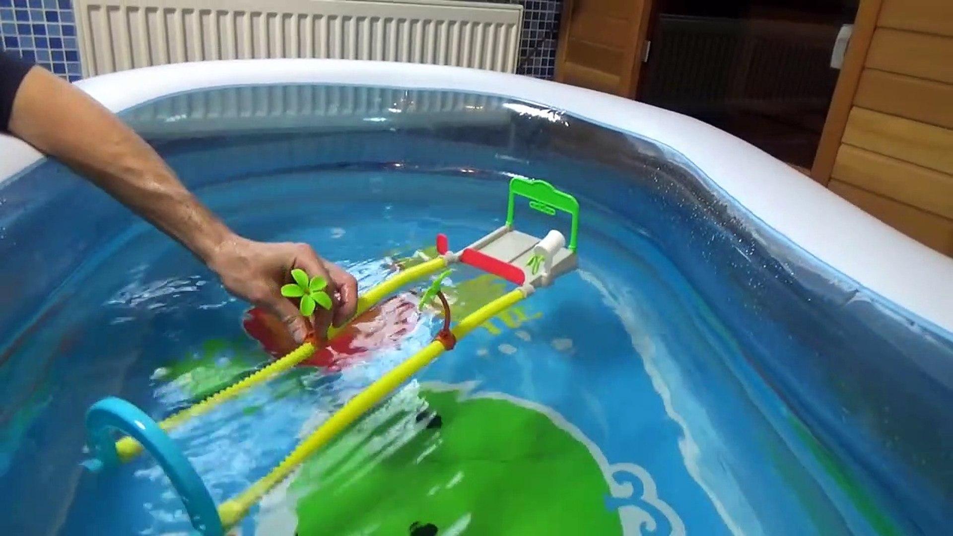Тачки Дисней водные гонки с машинками в бассейне с шариками Disney Cars Splash S