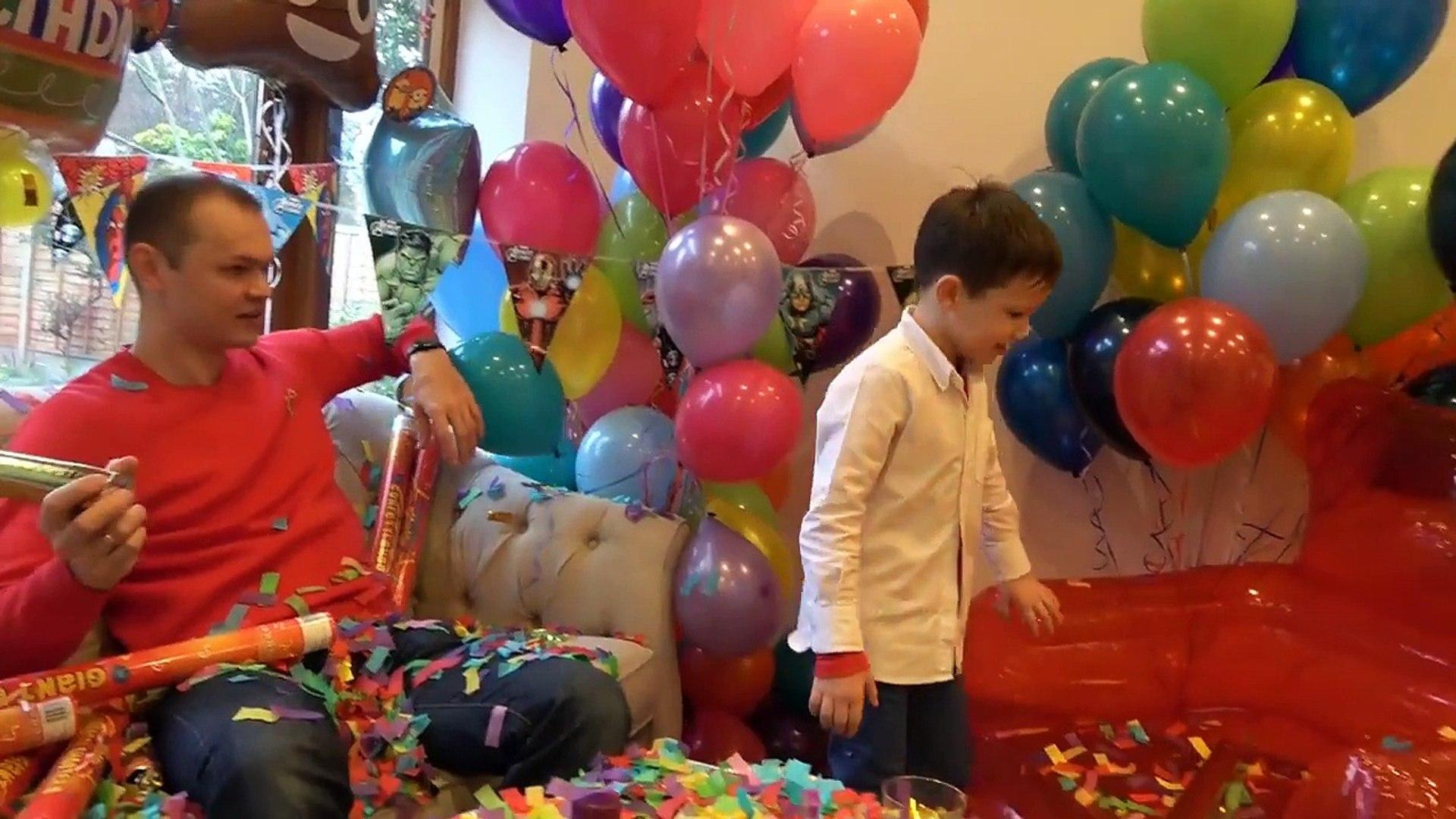 День рождения Макса 6 лет Гигантское Кресло Gummy Bear Все в полном шоколаде едем в Сadbury WORLD