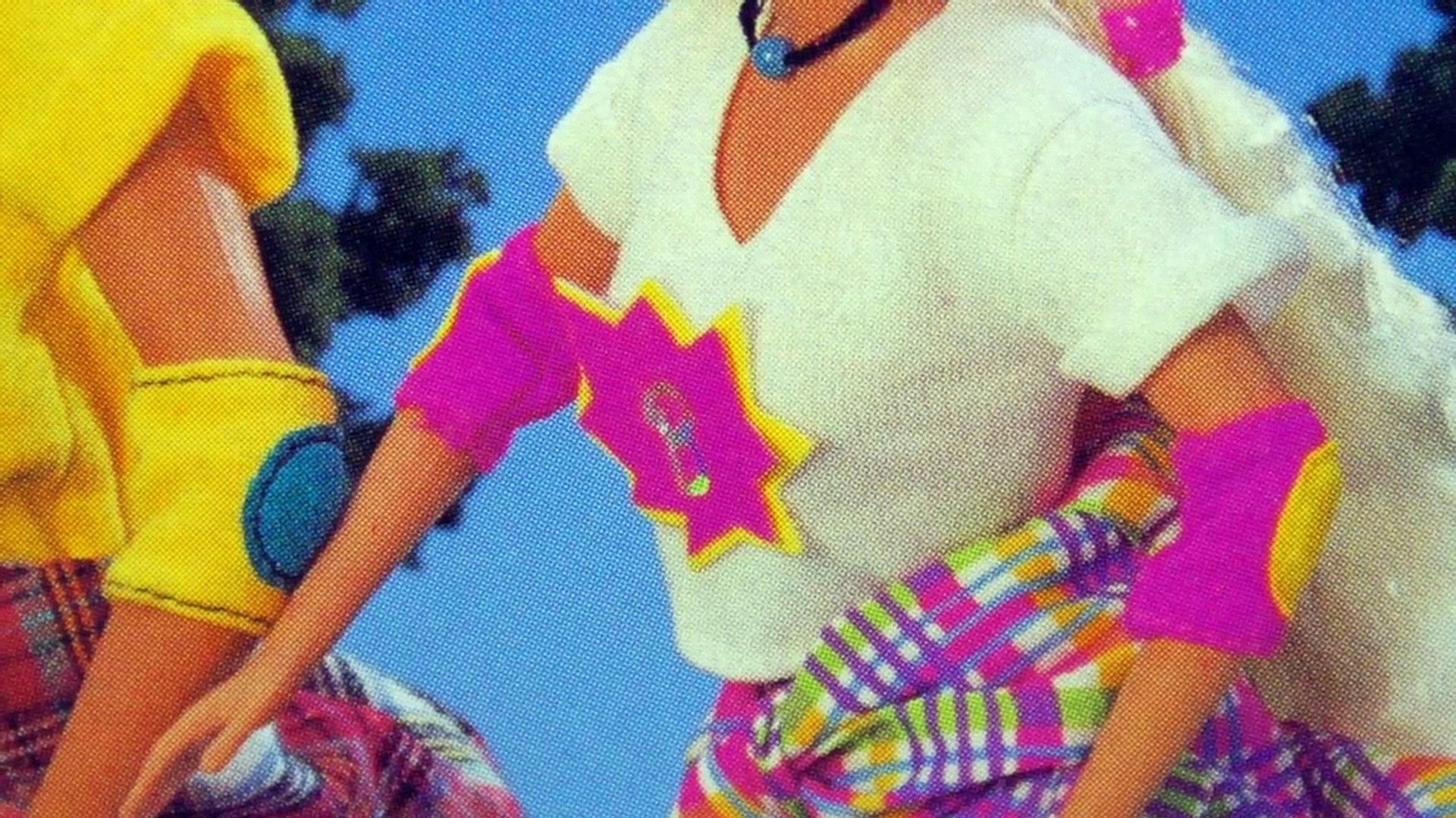 "ШАРНИРНАЯ ""СТАРУШКА"" Барби 90-х на роликах In-Line Skating Barbie 1995   обзор куклы,распаковка,90-е"