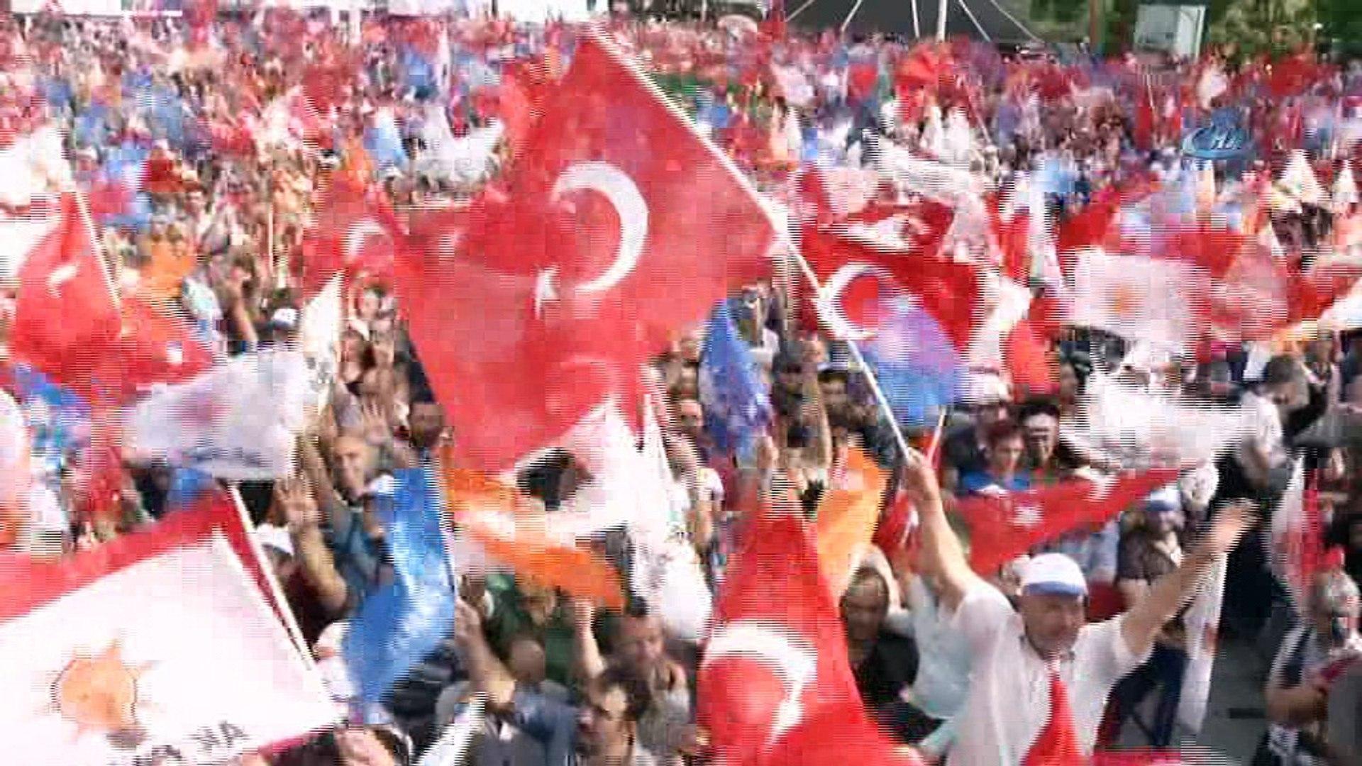 """Başbakan Binali Yıldırım: """"CHP darbe şakşakçılığı yapmak demektir"""""""