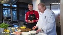 Vor ein paar Tagen habe ich mit unserem Chefkoch Alfons Schuhbeck auf unserem Trainingsgelände am Herd gezaubert. Hat viel Spaß gemacht und saugut geschmeckt. :