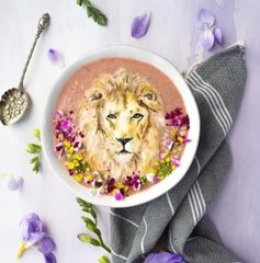 You'll never believe these designs 'painted' on smoothie bowls
