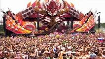 60000 personnes qui sautent ensemble sur de la musique électronique !