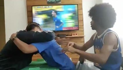 Deaf-blind Brazilian fan enjoys World Cup