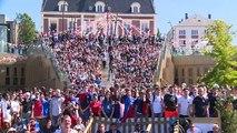 بث مباشر: مشجعون فرنسيون في نويزي لي جراند بالقرب من باريس، يتابعون مباراة فريقهم ضد الدنمارك ⚽️Via: Ruptly