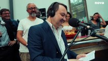 Michel Fau reprend «Sweet Dreams» d'Eurythmics | Plus Près De Toi