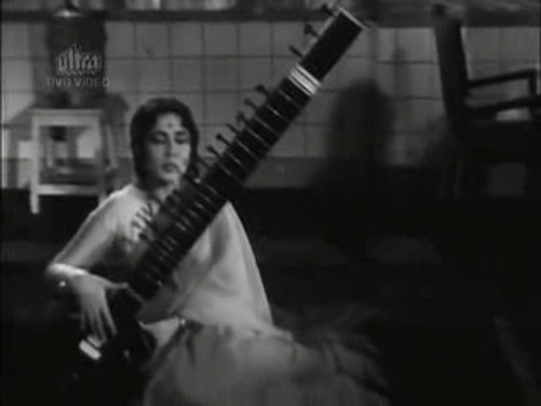 Hum Tere Pyar Mein Saara Alam