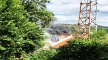 Film platosu olarak kullanılan eski kundura fabrikasında yangın...Yangın havadan görüntülendi