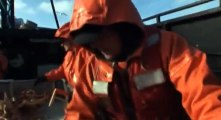 Deadliest Catch Crab Fishing in Alaska S03 - Ep08 Caught In the Storm HD Watch