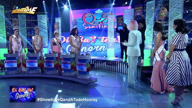It's Showtime Miss Q & A: Jhong runs out from the backstage!