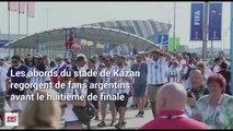France - Argentine : Une marée de supporters argentins devant le stade (mais il y a un coq français)