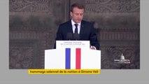 """""""Simone Veil s'est battue pour que la France reste fidèle à elle-même"""", même si elle a été """"trahie par un État français qui pactisait avec l'occupant nazi"""", rappelle Emmanuel Macron."""