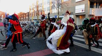 Sinterklaas doet de Silly Walk / Spijkenisse 2018