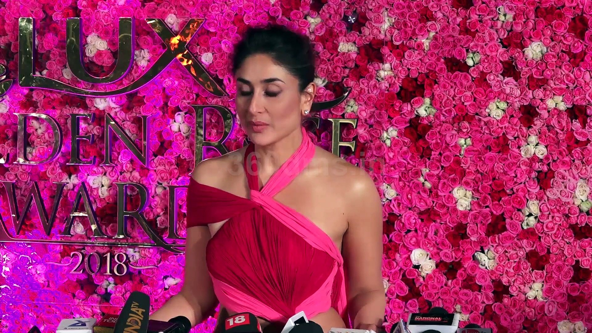 Kareena Kapoor Khan Called Timeless Beauty to Mother In Law Sharmila Tagore