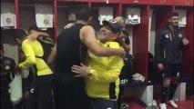Teknik direktörlük yapan Maradona takımının zaferini dans ederek kutladı