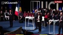 Emmanuel Macron pris à partie par un étudiant de l'université de Louvain en Belgique