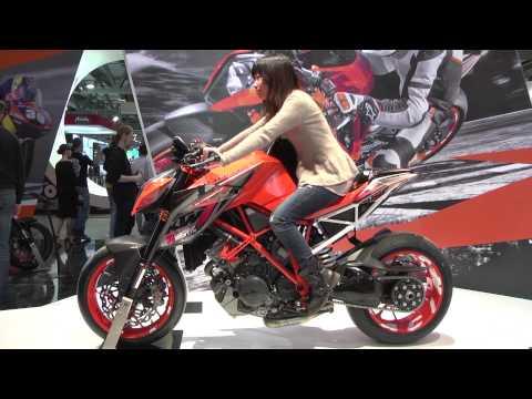 KTM Live EICMA 2013 – KTM 390 Duke | AutoMotoTV