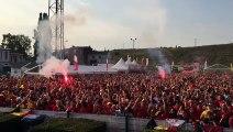 C'est la folie à Sclessin après 1-0 pour la Belgique!