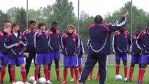 Pogba - 100 pour sang Bleu   Pogba - 100 pour sang Bleu;. Équipe de France de Football  Parmi les 23 Bleus présents en Russie, ils sont 4 à avoir débuté aux côtés de Paul Labile Pogba. Aréola, Umtiti, Thauvin et Varane évoquent leur capitaine de l'époque,