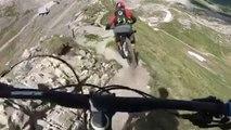 Mountainbike Extreme: Rasant in die Tiefe