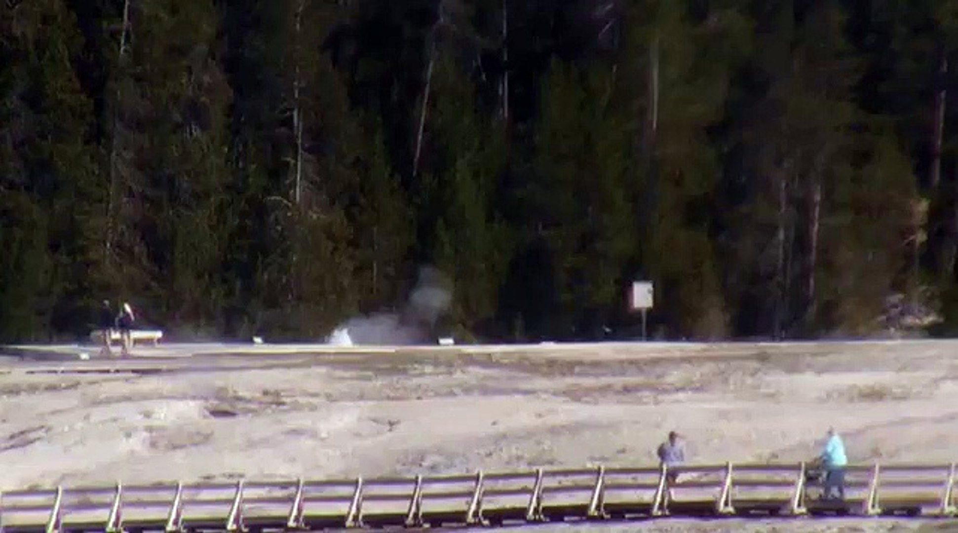 North Goggles Geyser minor eruption (9:23 AM, 26 May 2018)