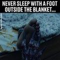 Voilà pourquoi il ne faut jamais dormir le pied hors de la couette