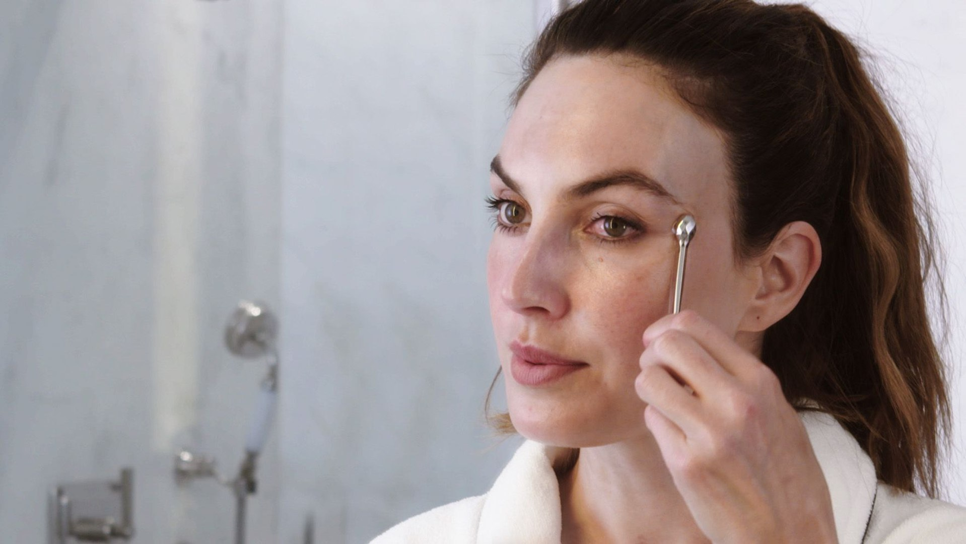 Elizabeth Chambers Shares Her Nighttime Skincare Routine