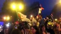 Ils se font taper par des supporters français pour avoir sorti le drapeau algérien lors de la victoire de la France.