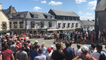 La folie autour de la caravane du Tour de France