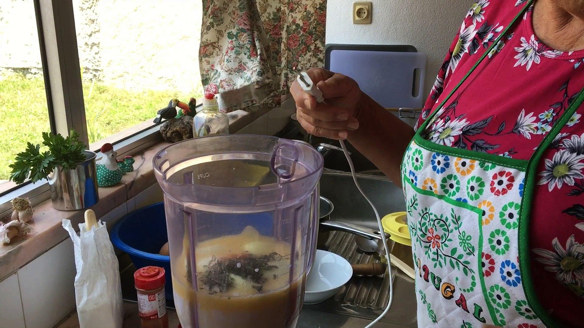 Torta de espinafre bem simples de fazer! Muito gostosa. Veja todo o preparo da receita-Lá Vai Maria.