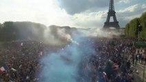 18h53 sur le Champs de Mars, un tonnerre de joie au moment où la France décroche sa deuxième étoile en coupe du monde