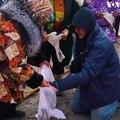 نالوکاتاک، جشنواره سنتی در شمال ایالت السکای امریکا، پس از شکار نهنگ در هفته سوم ماه جون برگزار می شود. باشندگان این منطقه با رقص و آواز خوانی از شکار نهنگ تجلی