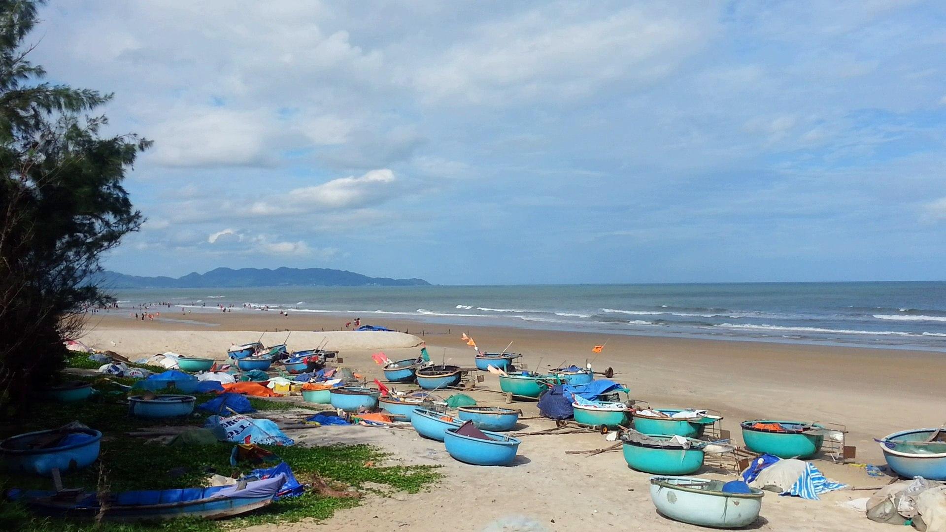 Dạo biển Long Cung Vũng Tàu, Bãi biển nên thơ và quyến rũ