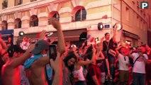 """La France championne du monde : Marseillaise, klaxons et """"We are the champions"""" ambiancent le Vieux-Port de Marseille"""
