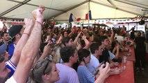 Coup de sifflet final, place Pitrac. La France est championne du monde de foot.