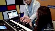 Ayu Tingting Belajar Main Piano