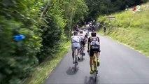 Tour de France 2018 : un homme en VTT s'offre un saut par-dessus le peloton en pleine étape