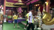 Tailândia: 'Javalis Selvagens' participam de cerimônia budista