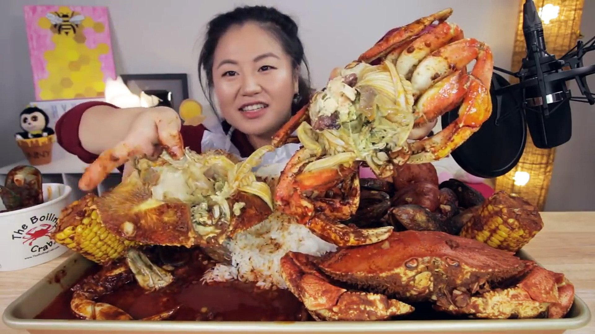 Spicy Dungeness Crab Seafood Boil Mukbang Video Dailymotion Asmr (autonomous sensory meridian response) is a euphoric experience identified by a tingling sensation that triggers positive feelings, relaxation and focus. spicy dungeness crab seafood boil mukbang