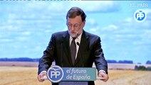 """Rajoy reivindica su gestión en Cataluña y el servicio político pese a """"rivalidades y miserias"""""""