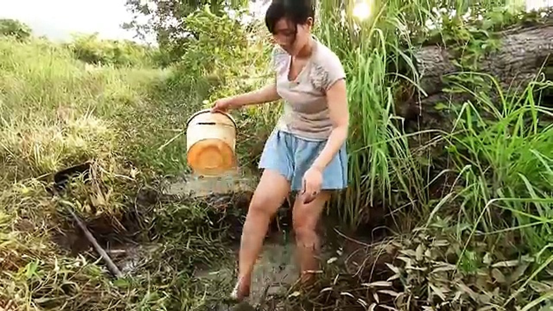 Two pretty girls catch fish - How To catch fish by hand - Fishing is very happy ( part 247 )