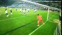 Dün akşam oynanan Corinthians - Botafogo karşılaşmasında Corinthians kalecisi Cássio Ramos'un muhteşem çift kurtarışı